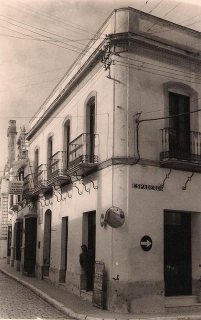 AionSur 27337150815_fa007cf6cc_z_d Soria Modas, símbolo y emblema de la ropa de calidad en Arahal desde hace 75 años Empresas