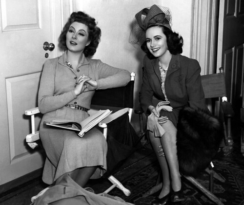 greer garson & teresa wright - mrs. miniver 1942