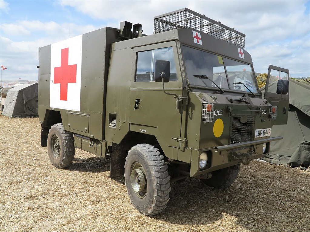 land rover 101 fc 1 tonne ambulance luxembourg army flickr. Black Bedroom Furniture Sets. Home Design Ideas