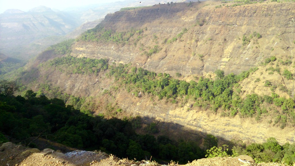 essay of a hill station in maharashtra This move has worked wonders to keep this hill station in maharashtra - one of the sought after weekend getaways from mumbai and pune - to maintain its pristine settings the narrow gauge.