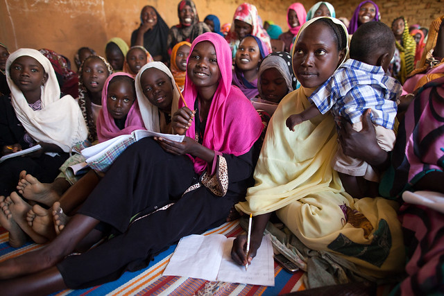 Photo Essay: UNAMID Police Facilitates English Classes for Displaced Women