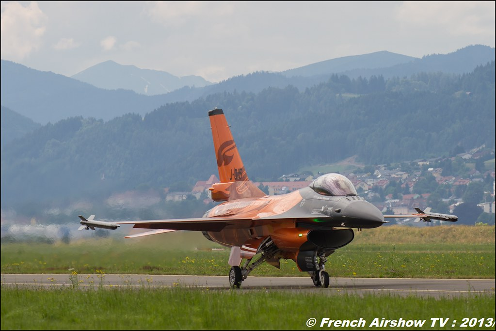 Royal Netherlands Air Force F-16 Demo Team, F-16 Fighting Falcon NL , RNLAF F-16 Demo Team display ,Dutch Air Force ,AIRPOWER13 , Zeltweg , Austria , airpower 2013 Zeltweg