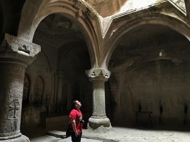 Sele en el monasterio de Geghard (Armenia)