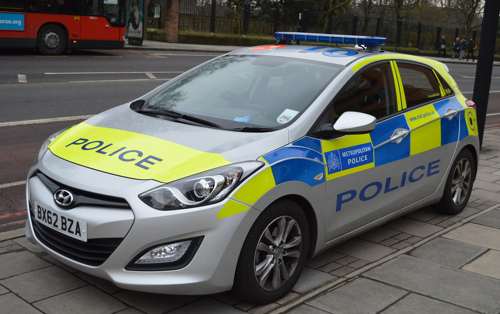 metropolitan police hyundai i30 incident response vehi. Black Bedroom Furniture Sets. Home Design Ideas