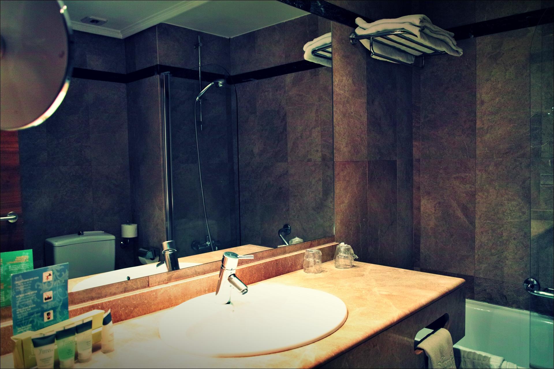 욕실-'산 세바스티안 실켄 아마라 플라자 호텔 Hotel Silken Amara Plaza'