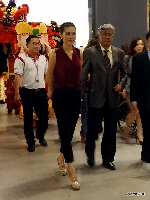 Amber Chia & Jalaluddin Hassan I