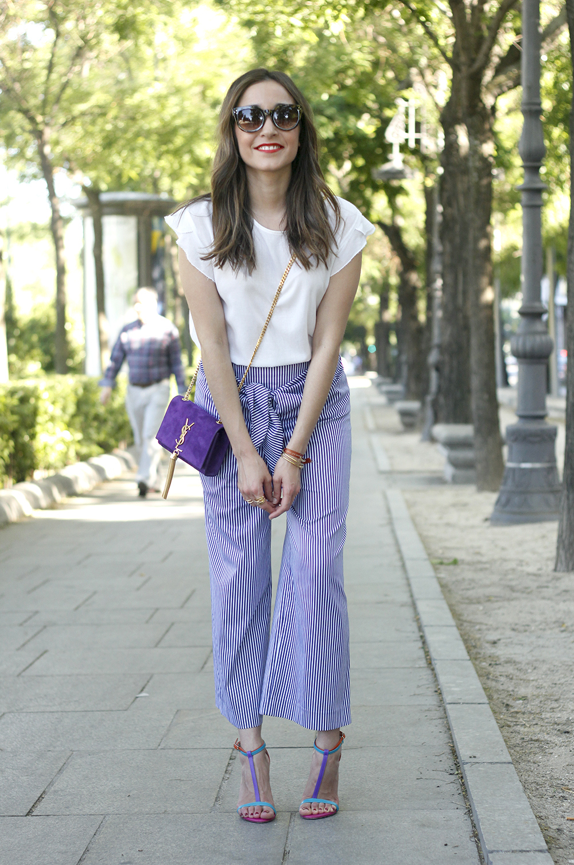 striped pants with bow white shirt carolina herrera sandasl saint laurent bag accessories summer outfit03