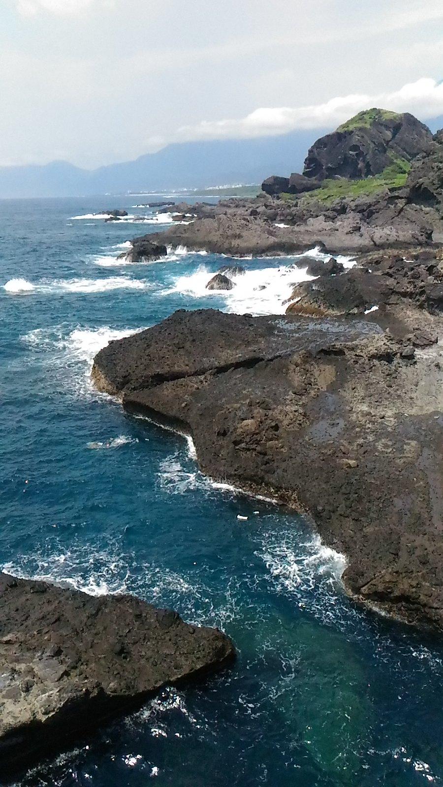 離岸島的火山岩地形與海蝕平台