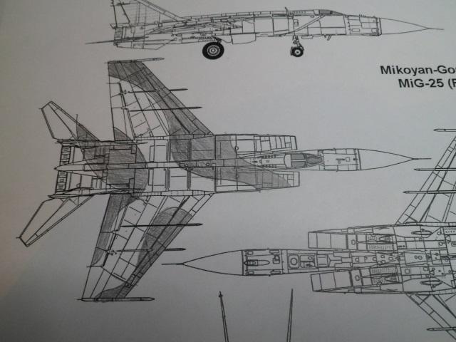 Pas-à-pas : MiG 25 Foxbat [Condor 1/72] - Page 3 27265274921_41542b3342_o