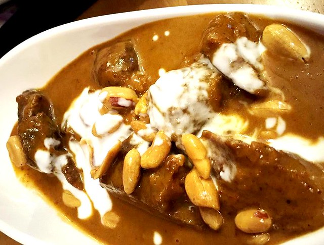 Sakhon massaman curry