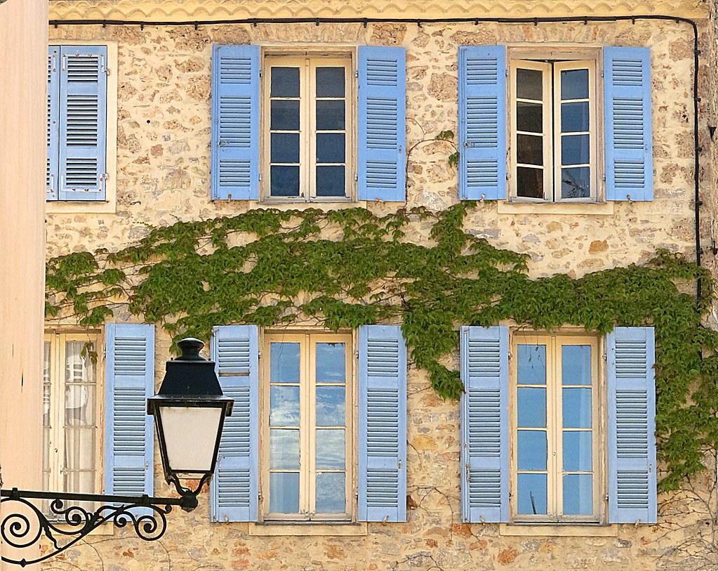 Blue Shutters And Vine Carc 232 S Var Provence France Flickr