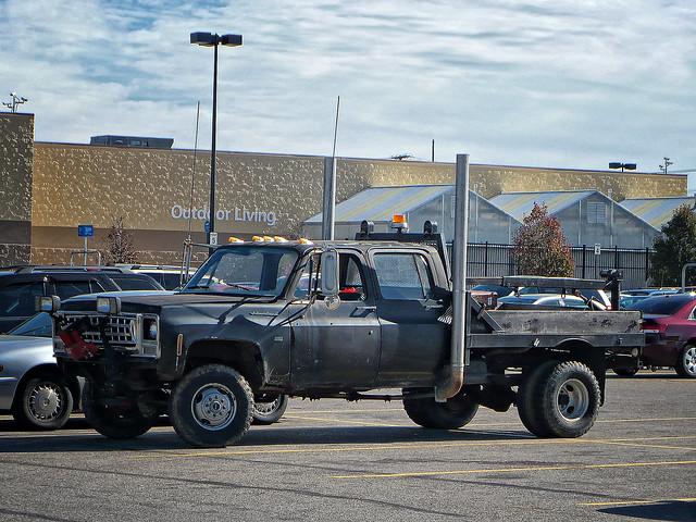 Crazy Pickup Truck With 18 Wheeler Exhaust Stacks Crazy