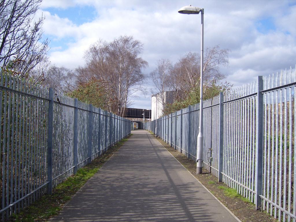 Fans Blocking Walkways : Away fans walkway millwall leicester ian