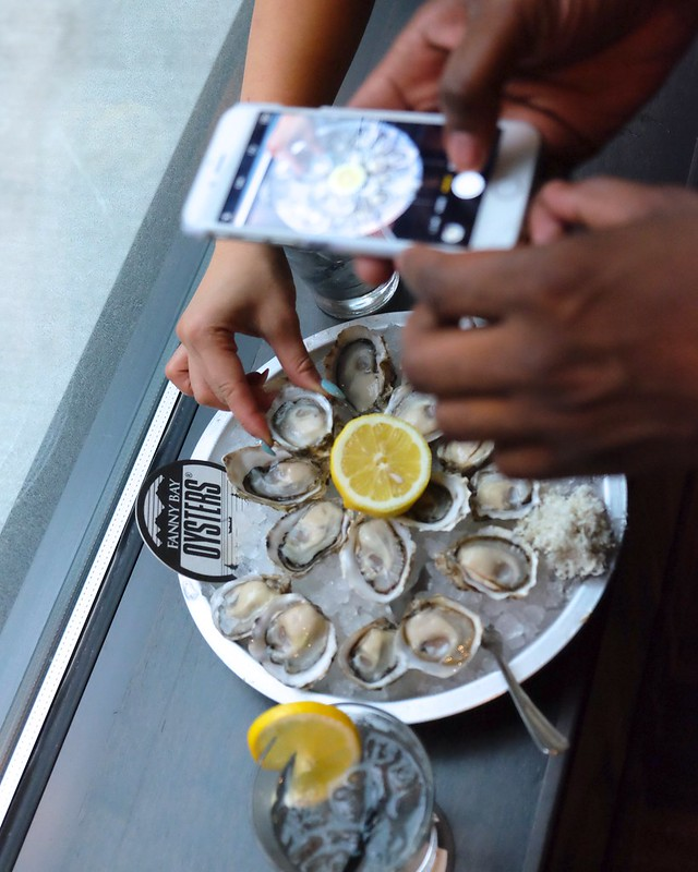 Fanny Bay Oyster Bar & Shellfish Market | Stadium District, Downtown Vancouver