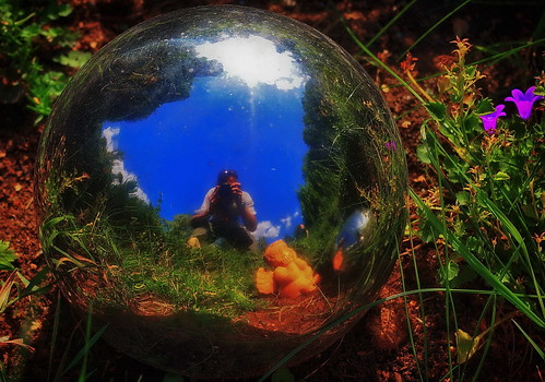 ~living~in~a~bubble~where~the~summer~lasts~forever~ | by Delta9 Mikki