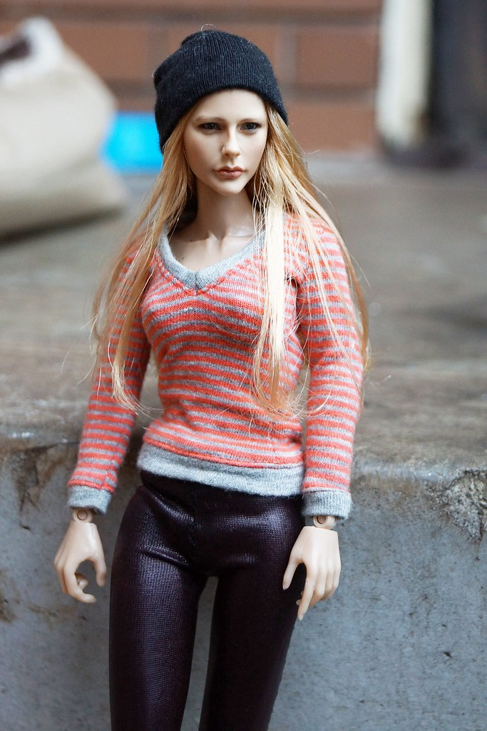 Chloe Moretz head sculpt from Kumik Toys | Just a shame ...