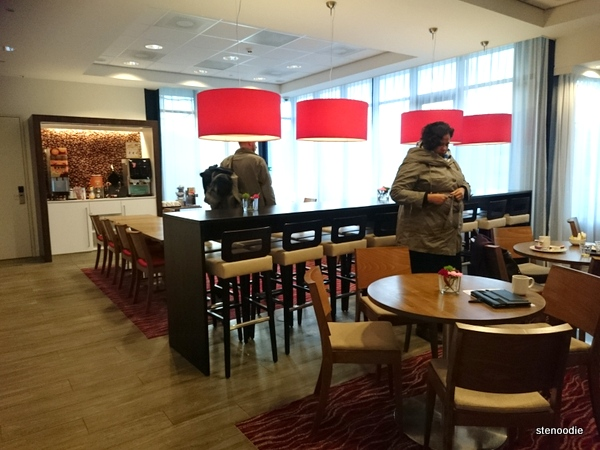 Hampton by Hilton Amsterdam Airport Schiphol dining area