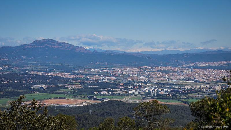 Los Pirineos desde el Turó de Magarola