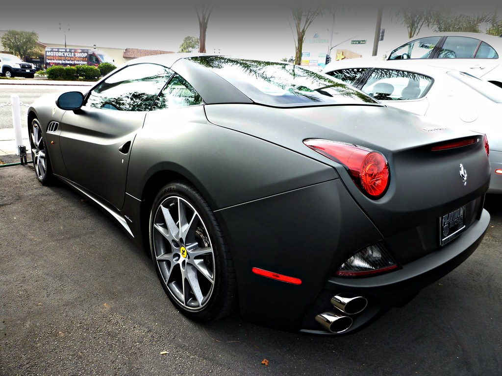 Permalink to Ferrari California White