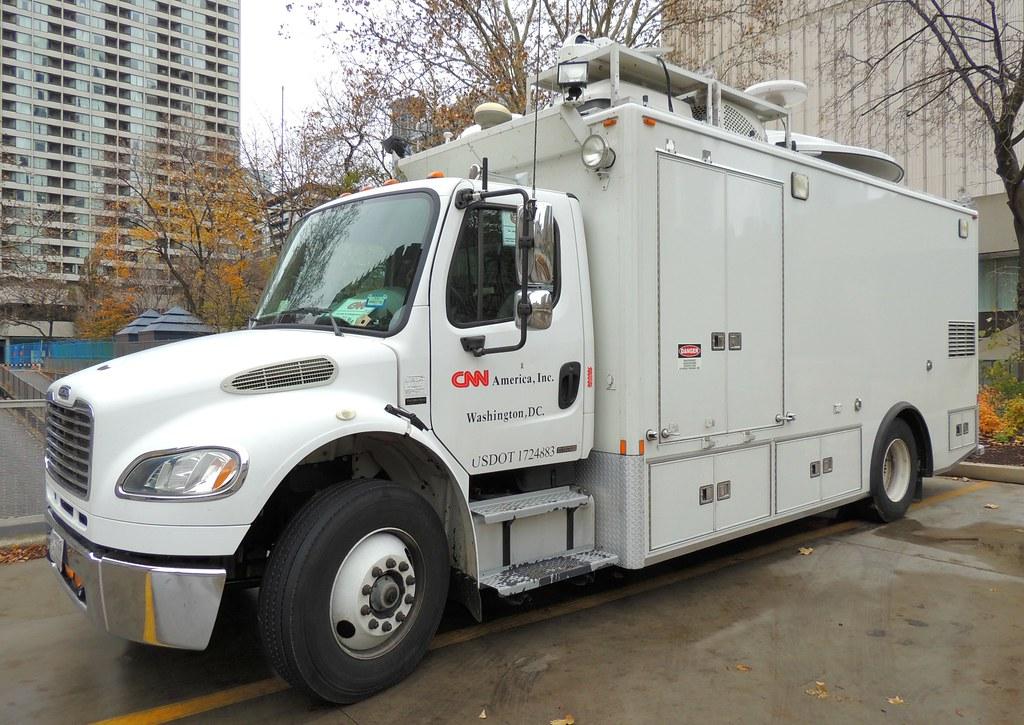 Cnn Production Satellite Media Truck Toronto Ontario