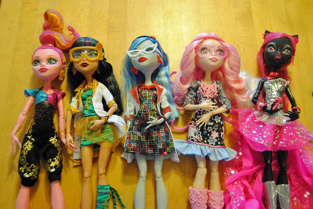 20140102 Monster High Gigi Cleo Ghoulia Viprene and   Flickr