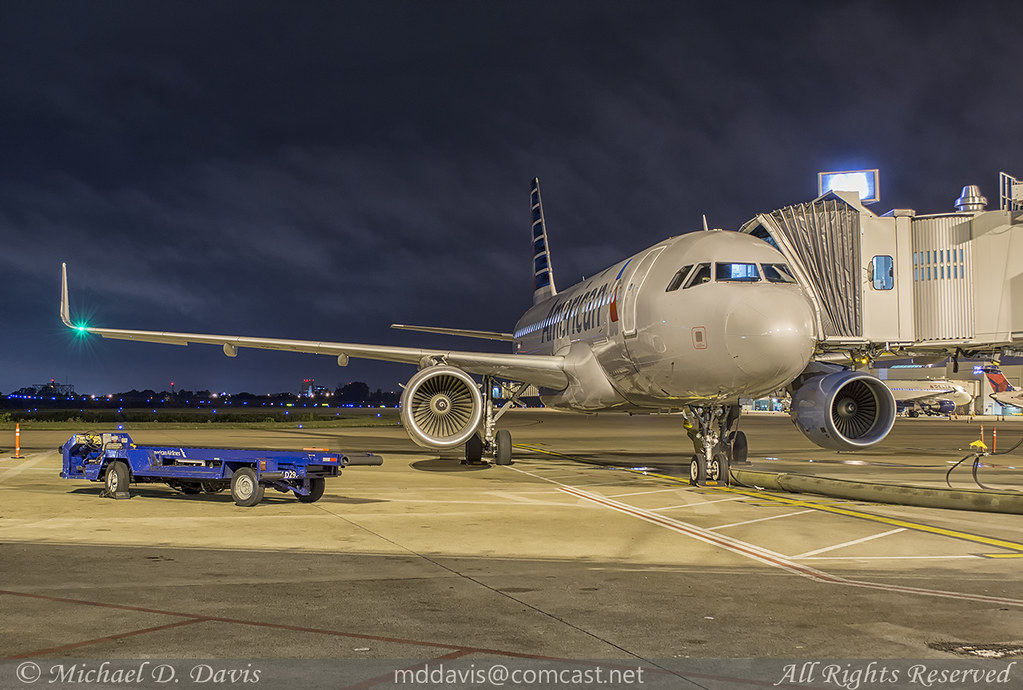 American Airlines Airbus A319-115 (N9015D) | Miami flight ...