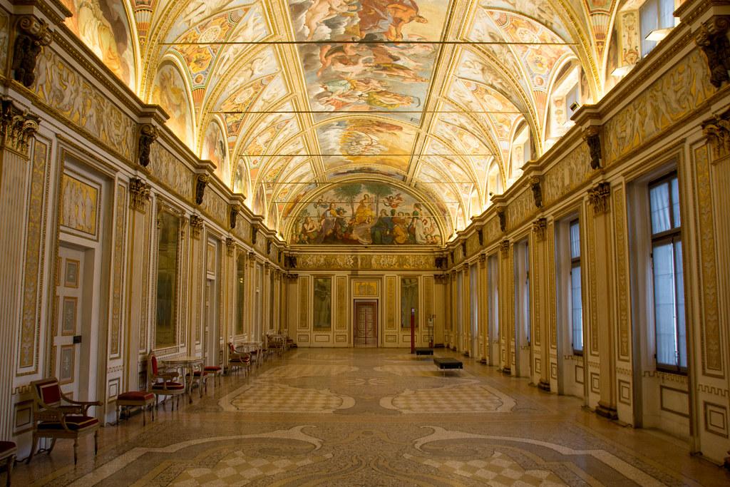 Stanza degli specchi palazzo ducale mantova cesare de for Stanza mantova