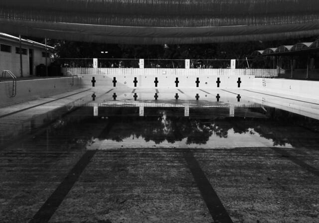 台南市玉井區游泳池,攝影:邱怡菁。圖片來源:《海市蜃樓V》。