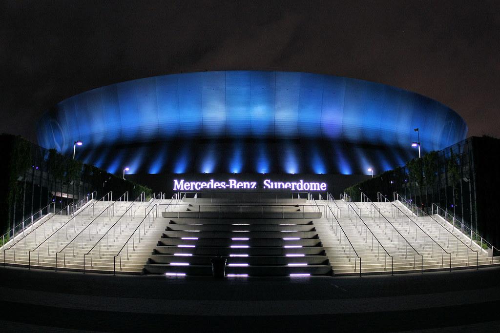 White Mercedes Benz >> Superdome | The Mercedes-Benz Superdome in blue. | Phil Roeder | Flickr
