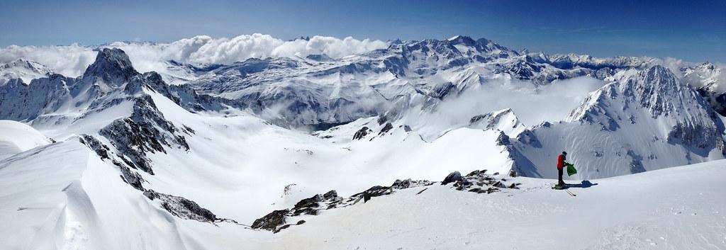 Panoramique depuis le sommet du Rocher Blanc, vue vers le massif des Grandes Rousses