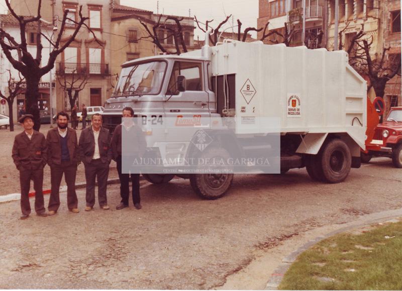 Estrena nou camió escombraries. Febrer 1982