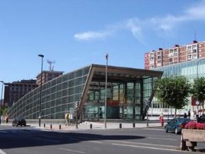 Metro Bilbao impulsa una campaña contra la violencia hacia las mujeres
