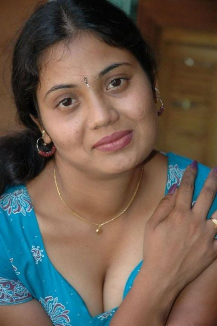 Hot-Tamil-Actress-Rupa-Reddy-Sexy-Photo650  Spike Nippo -9648