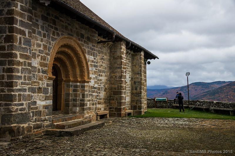 Fachada sur de la ermita de Muskilda