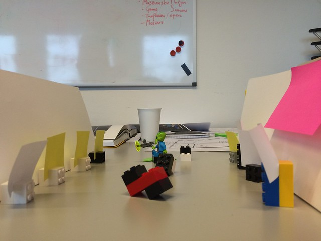Playful exhibition design workshop at Reinwardt Academy