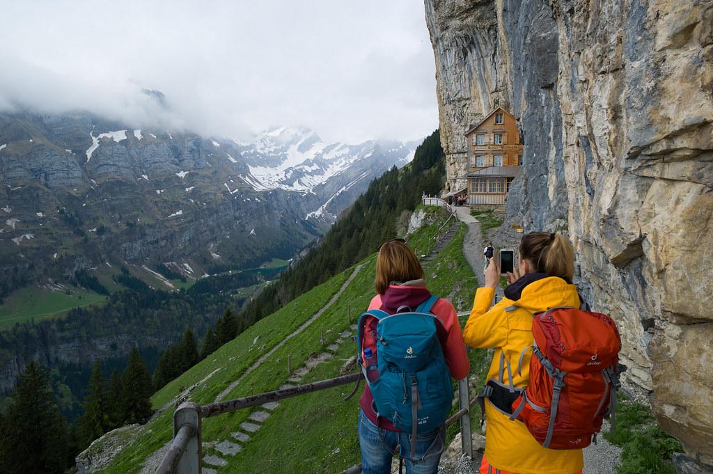 Click Click Berggasthaus Aescher Wildkirchli Please