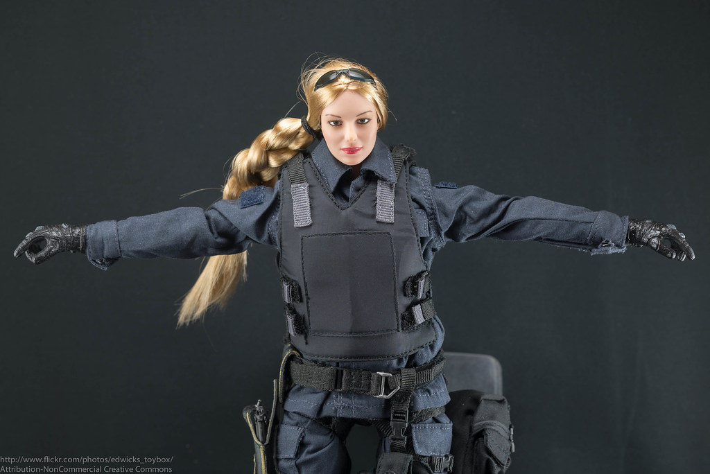Playhouse Female SWAT - Body Armor | Body armor fits well ...