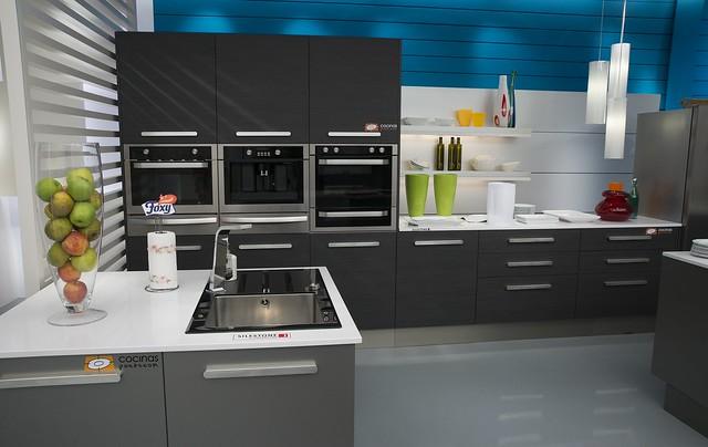 Segunda cocina montada por para el programa de for Cocina karlos arguinano