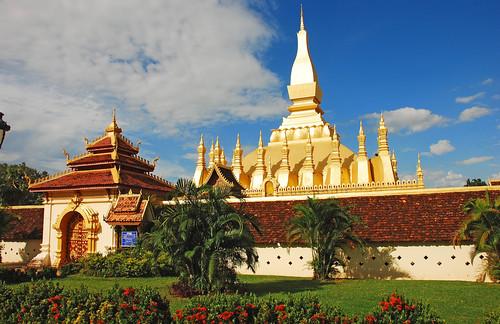 du lịch lào Pha that luong