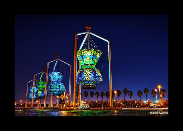 Jeddah saudi arabia lantern sculpture flickr photo for Art cuisine jeddah