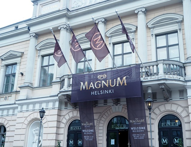 magnumhelsinkiP5265277,magnumkendalljennerP5255230,magnumicecreamP5255222magnumicecreamP5255221,magnumhelsinkiP5255211, magnumhelsinki, magnumfinland, vanha ylioppilastalo, vanha, pop up ice cream bar, pop up jäätelöbaari, icecream, jäätelö, customised, itsetehty, luksusjäätelö, luxus icecream, visit helsinki, helsinki tips, magnum helsinki pleasure store, magnum jäätelö, magnum ice cream, vanha, vanha yo talo, mannerheimintie, helsinki, helsinki tips,
