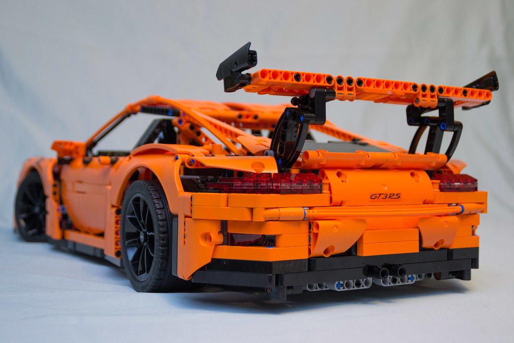 42056 lego technic porsche 911 gt3 rs rear 3 4 vyn raskopf flickr. Black Bedroom Furniture Sets. Home Design Ideas