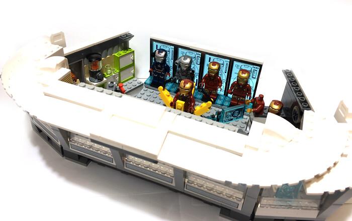 Lego 76007 Malibu Mansion Attack Expanding 03 Yong