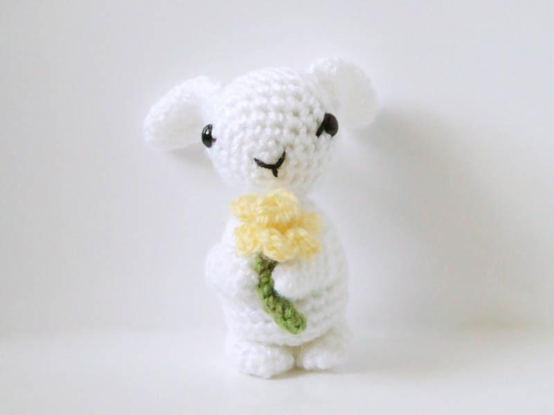Crochet Doll Scarf Pattern Free : Bunny Amigurumi Pattern Bunny & Daffodil Crochet ...