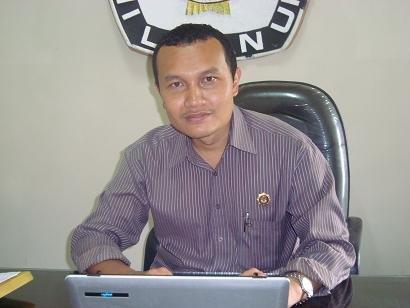 Suyitno Arman, S.Sos., M.Si (Divisi Sosialisasi, Pendidikan Pemilih, dan Pengembangan Informasi KPU Kabupaten Tulungagung)