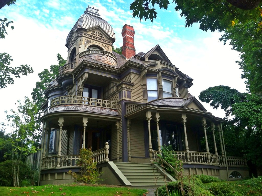 Gamwell victorian house 1892 bellingham wa built in for Victorian home construction