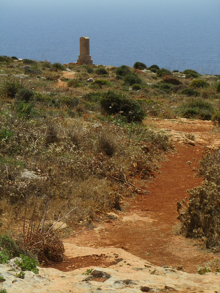 Malta - Near Qrendi - Path down to Congreve Memorial | Flickr