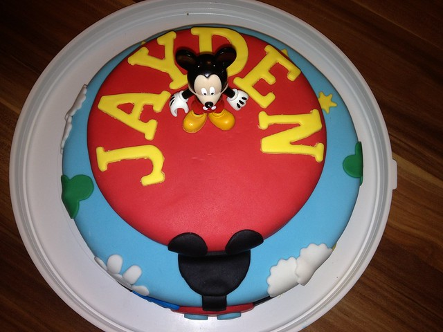 mickey mouse clubhouse cake micky maus wunderhaus torte 1 flickr photo sharing. Black Bedroom Furniture Sets. Home Design Ideas