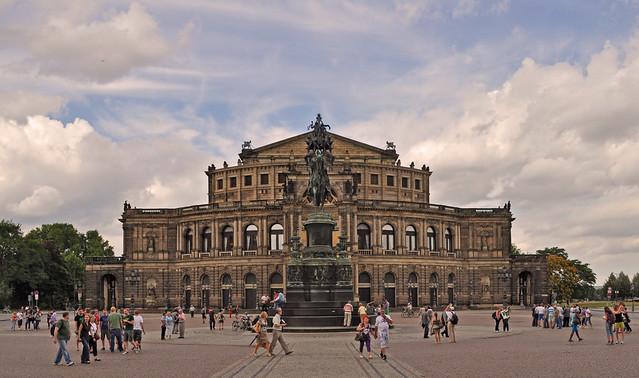 Germany dresden semperoper flickr photo sharing for Hotelsuche dresden