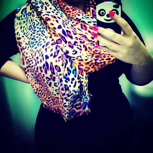 I am still in love with this scarf I bought for $5 at Kmart ❤️